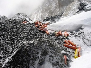 Botellas en el Everest