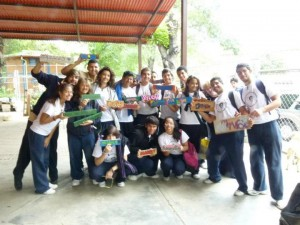Alumnos de la UE Patria de Bolívar activos con su comunidad.Foto Yrama Capote
