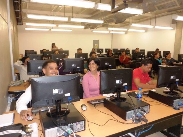 Marisela Valero en el Taller Herramientas Digitales Tu Voz es Noticia
