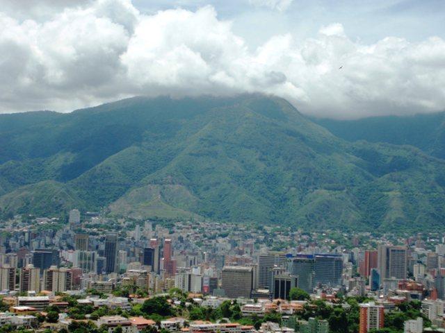 Caracas con su hermosa montaña. Foto Marisela Valero