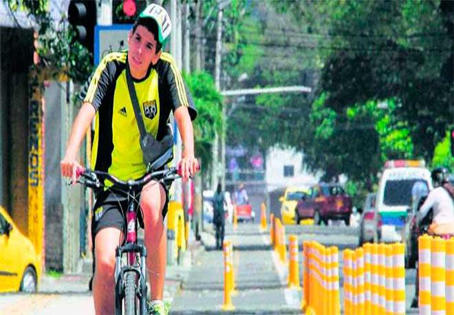 Bici ruta demarcada en Medellin