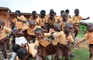 Los niños con su enorme energía producen su propia luz como las luciérnagas. Cortesía de Empowered