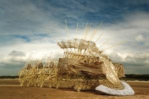 "Las ""bestias de pvc"" de Theo Jansen. Foto Anamaris Percipiere"