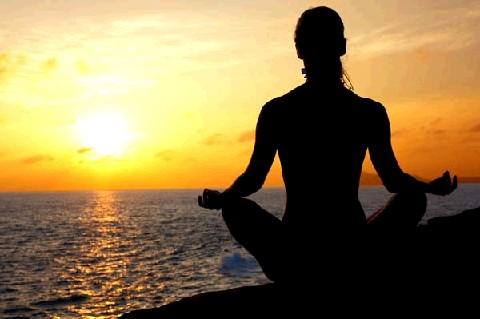 Yoga como disciplina para aquietar la mente.