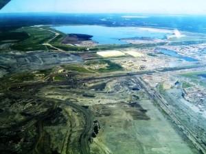 Explotación ambiental por petróleo. foto ecologiablog