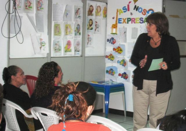 Nekane dicta talleres de Crecimiento Personal, Creer y Crear. Foto www.nekaneonline.com