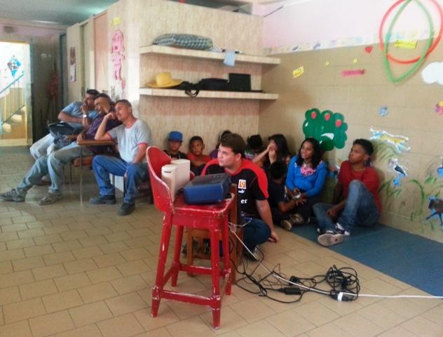 Participación de la comunidad. Foto cortesía UCAB