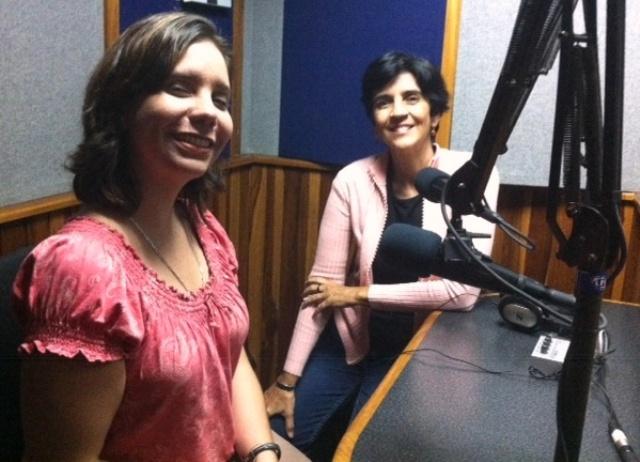 Adriana Arismendi y Marisela Valero en el estudio, foto Héctor Luna