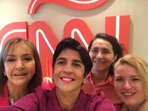 Selfie con Raiza Perrault, Nidia Hernandez, Adriana Sornes Y Marisela Valero