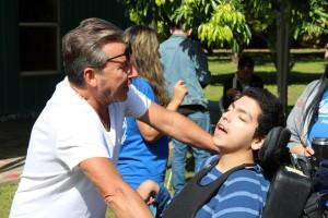 Ricardo Montaner compartiendo con los muchachos. La ventana de los Cielos