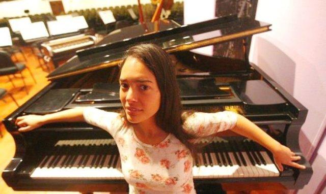 Mahani Teave, pianista internacionalmente reconocida