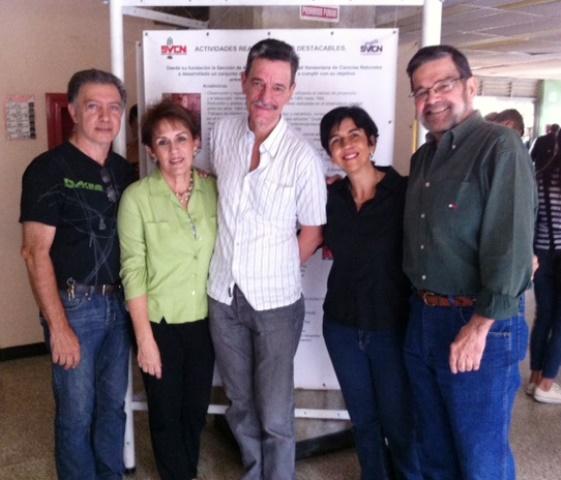 De izquierda a derecha: Farid Ayaach, Novella Rodríguez, Luis Alejandro Merkel, Marisela Valero, Mario Gabaldón. Foto Juan Fernandez