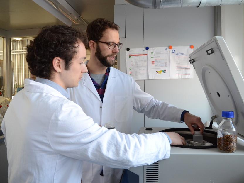 Equipo Koch Y Klettenhammer: Para un producto útil deben coordinarse todos los pasos desde el laboratorio a la panadería. Foto: NORBERT RAABE