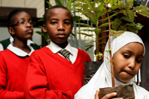 Foto www.bancomundial.org.Asociarse con organizaciones religiosas para recuperar las tierras en África