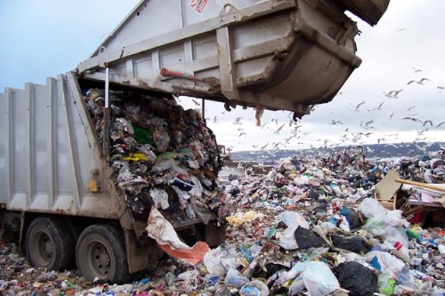 Vertederos de basura contaminantes. Foto: elcambur.com
