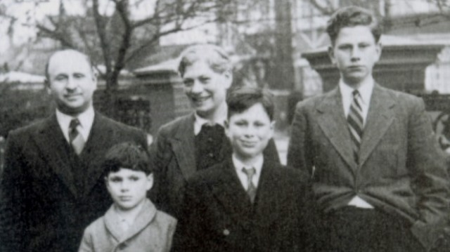 Oliver Sacks con su familia en 1940. Cortesia de www.telegraph.co.uk