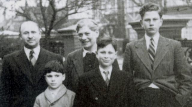 Oliver Sacks con su familia en 1940. Cortesia de www.telegraph.co.uk