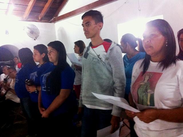 Coro navideño de la parroquia. Foto Marisela Valero