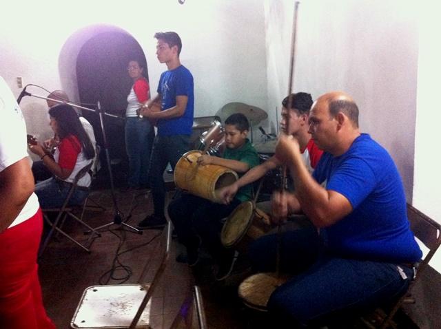 Cantos alegres paracelebrar a San Juan Evangelista