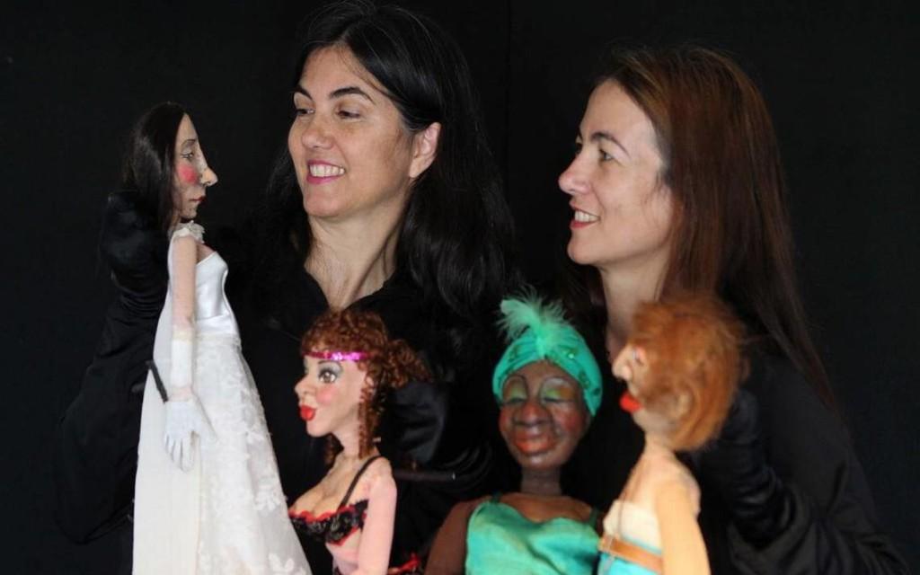 Mujeres a cuatro manos .Teatro NAKU