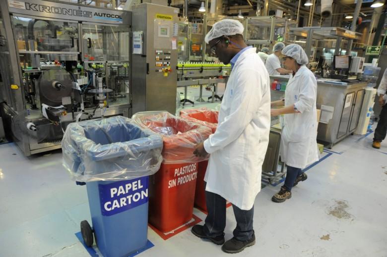 Unilever ha logrado eliminar el desperdicio hacia botaderos en 600 de sus sitios de operación. Foto: Plastico.com