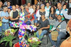 Los Velorios de Cruz de Mayo se celebran con cantos y décimas