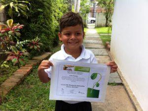 León Enrique Díaz Salvati recibiendo su reconocimiento como Ambientalista. Foto Marisela Valero