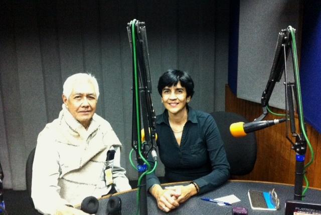 El profesor Geovanny Siem con Marisela Valero en el estudio. Foto Victor Hugo Rodríguez