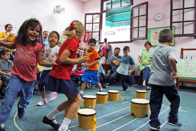 Divertirse mientras aprenden es el objetivo de la escuela de Iniciación Annely Keller