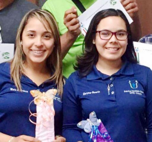 Las pasantes de la escuela de Psicología de la Universidad de Puerto Rico Nixia Ordaya y Glorymar Rosario