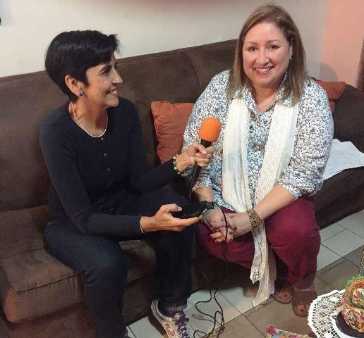 Ydalia Molina con Marisela Valero durante la grabación