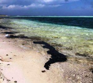 Derrame contamina toda la costa de Paria.Foto: SUNOTICIERO.COM