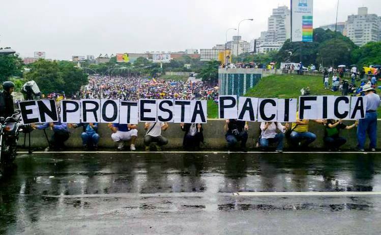 Protesta pacífica en la calle