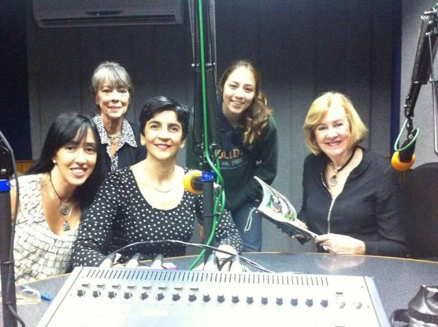 Marisela Valero recibió en el estudio a Anabelle Madden, junto a Maribel Cevallos, Marisabel Martínez y Ma. Isabel Valero. Foto Fernando Camacho