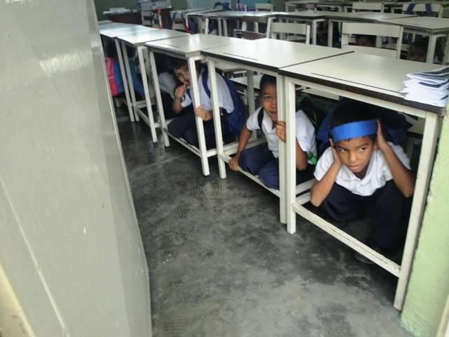 Los escolares aprenden para disminuir riesgos en sismos