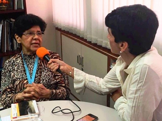 Consuelo Morillo con Marisela Valero en la grabación. Foto Haydee García