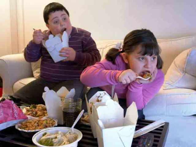 Muy pendientes de los hábitos alimentarios en los niños